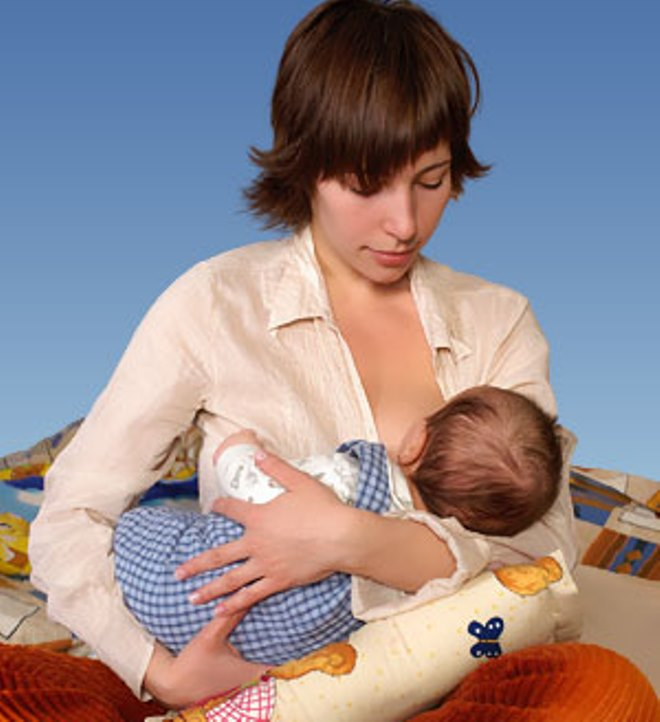 правильное_грудное_вскармливание_новорожденного