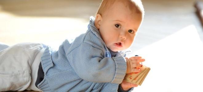что_должен_уметь_ребенок_в_восемь_месяцев