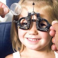 Как медикаментозно улучшить зрение