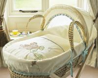 Плетеная переноска для новорожденных