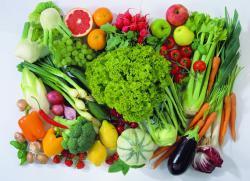 Какие овощи и фрукты можно кормящей маме?