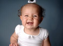 когда появляются первые зубы