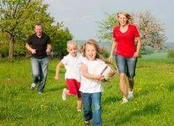 активные игры для детей на улице летом