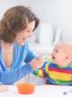 Как правильно стирать вещи новорожденных
